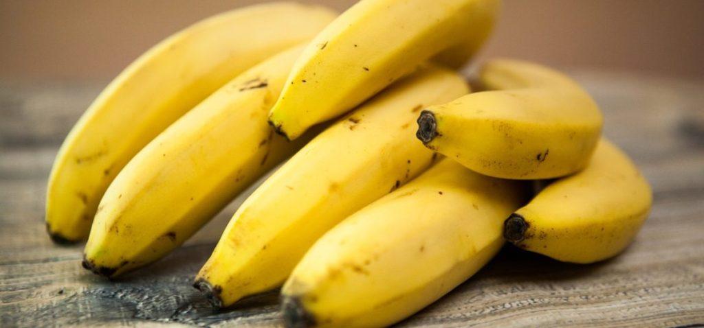 frukty protiv zhira banany