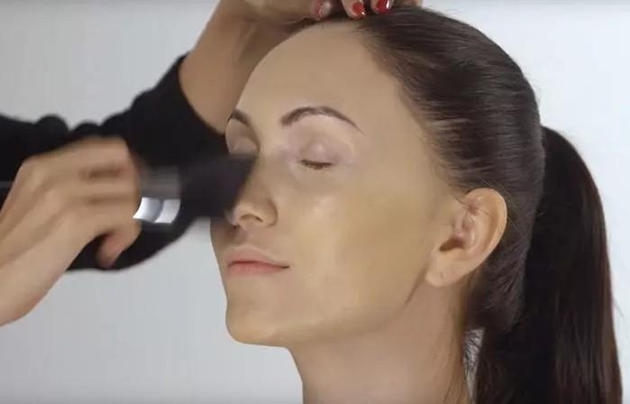 make up 004