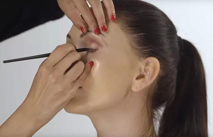 make up 005