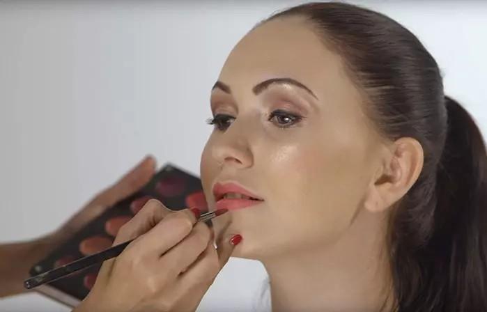 make up 008