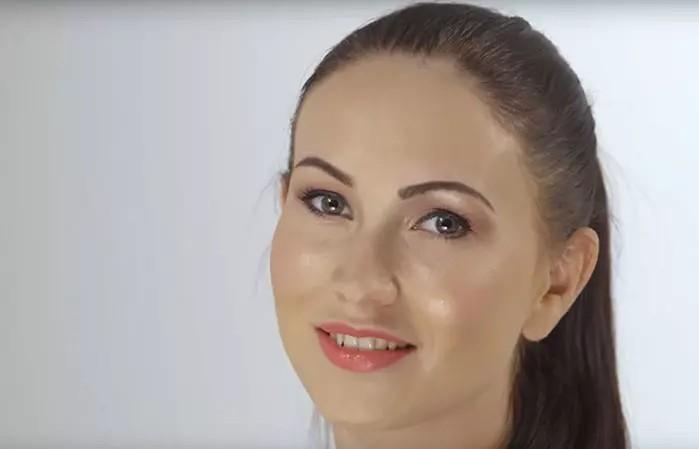 make up 009