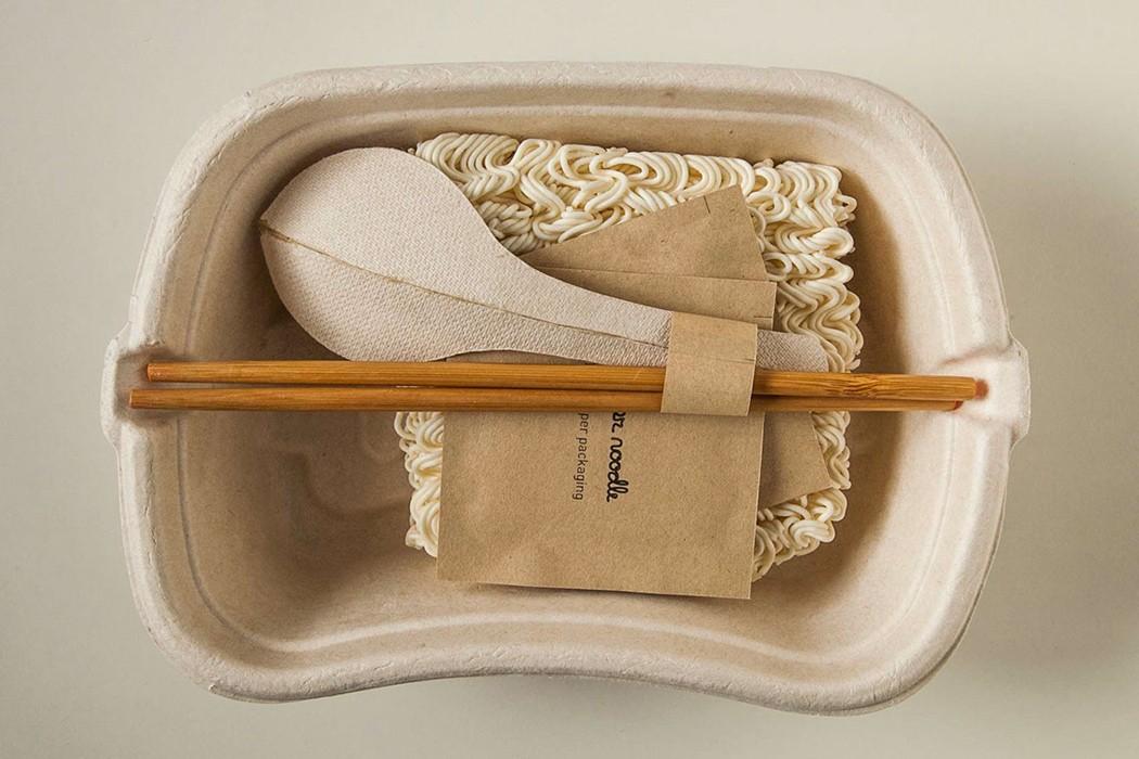 Лапша быстрого приготовления в экологически чистой упаковке