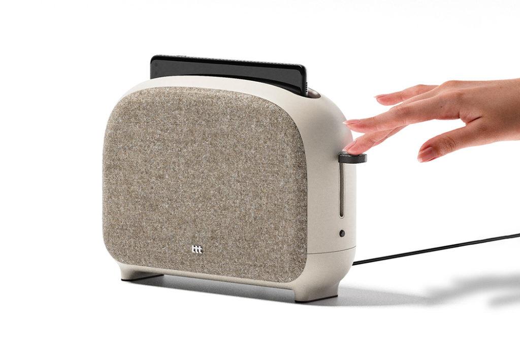 04 phone toaster yankodesign