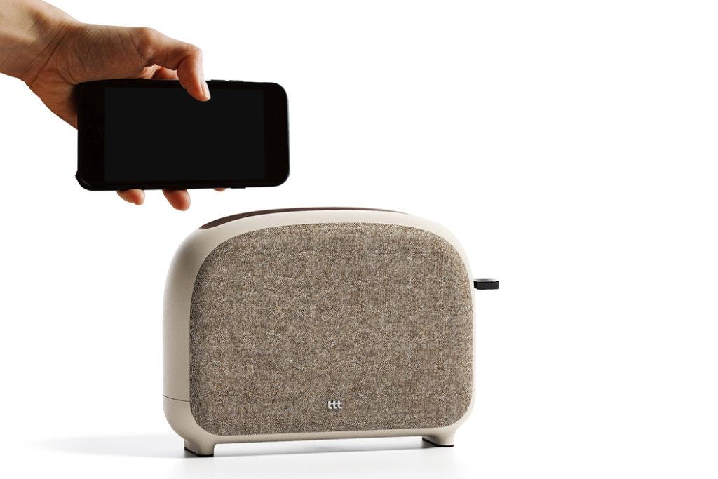 06 phone toaster yankodesign