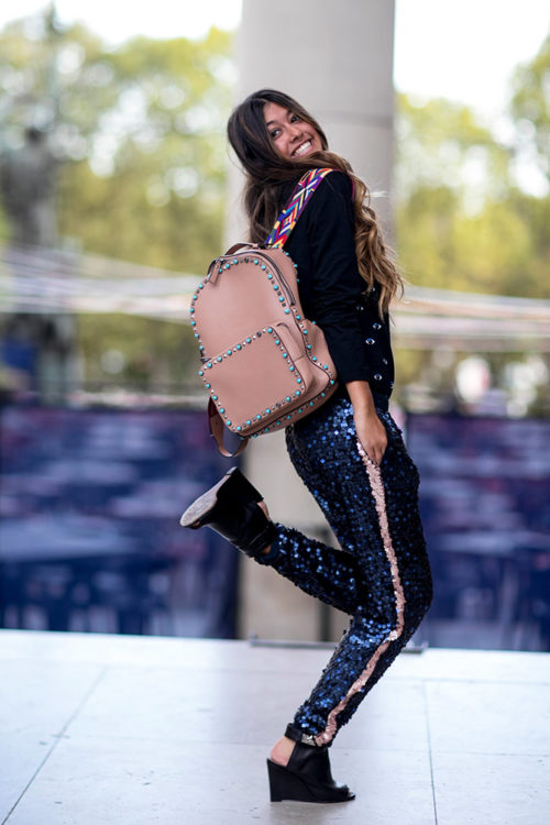 08 glitter sweatpants black top pink backpack street style