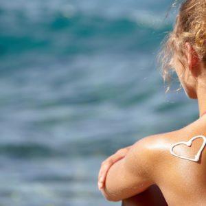 Солнцезащитные ингредиенты: полный разбор компонентов и правила нанесения солнцезащитного крема