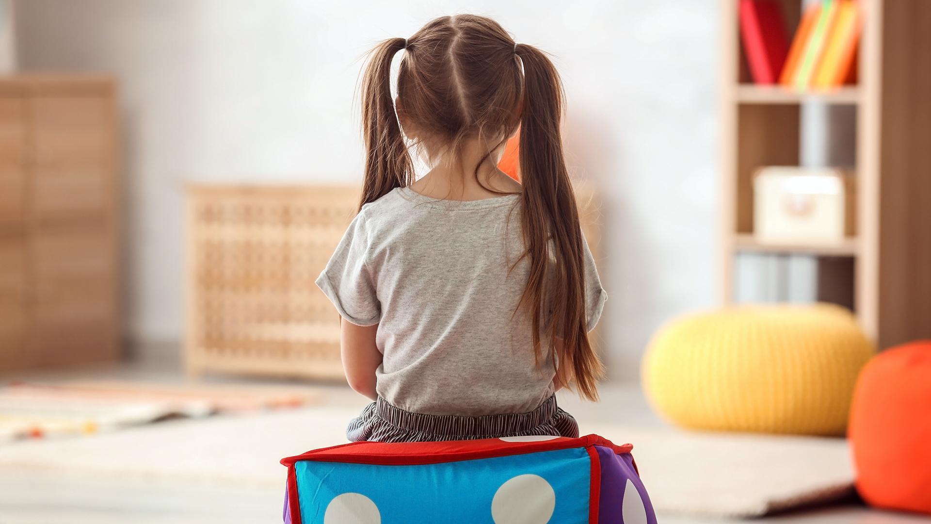 Аутизм у детей: признаки, симптомы, жизнь