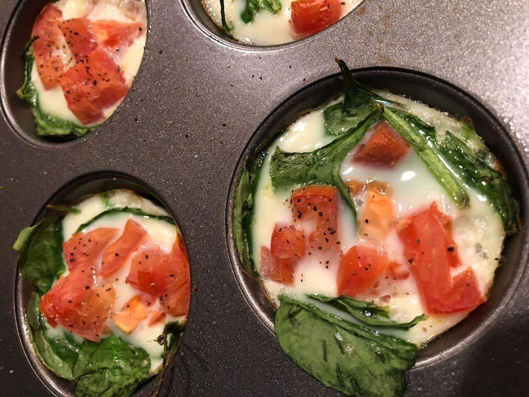 Кексы для завтрака из яичного белка (менее 50 калорий)