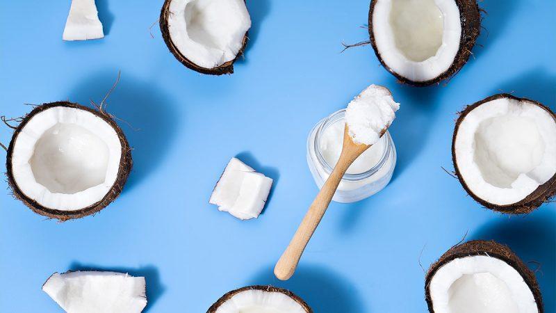Может ли кокосовое масло лечить перхоть?