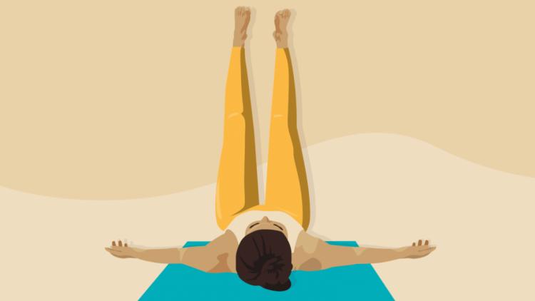 йога Поза с поднятыми вверх ногами (Випарита Карани)
