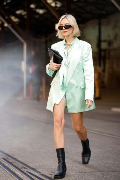 Неделя моды в Австралии, Виолет Грейс Эткинсон (Violet Grace Atkinson)