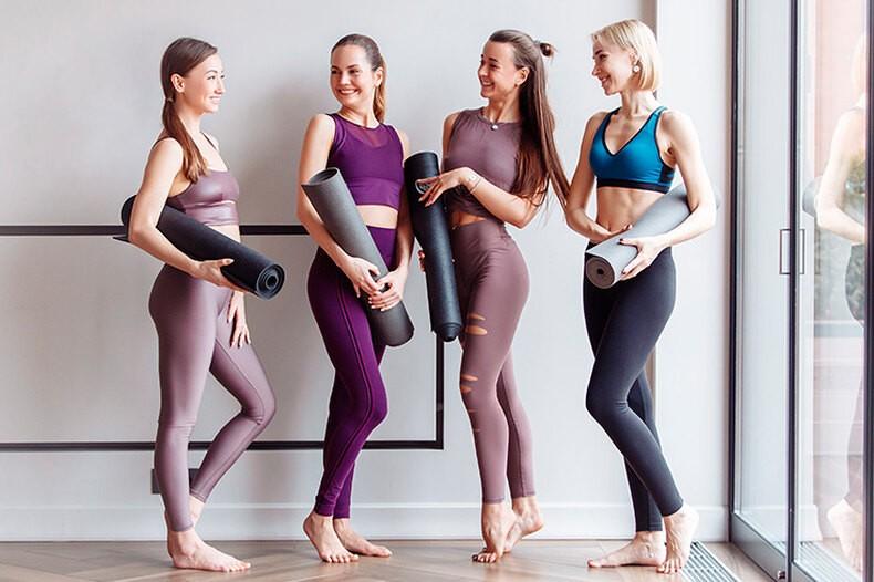 Штаны для йоги: можно или нельзя носить в городе