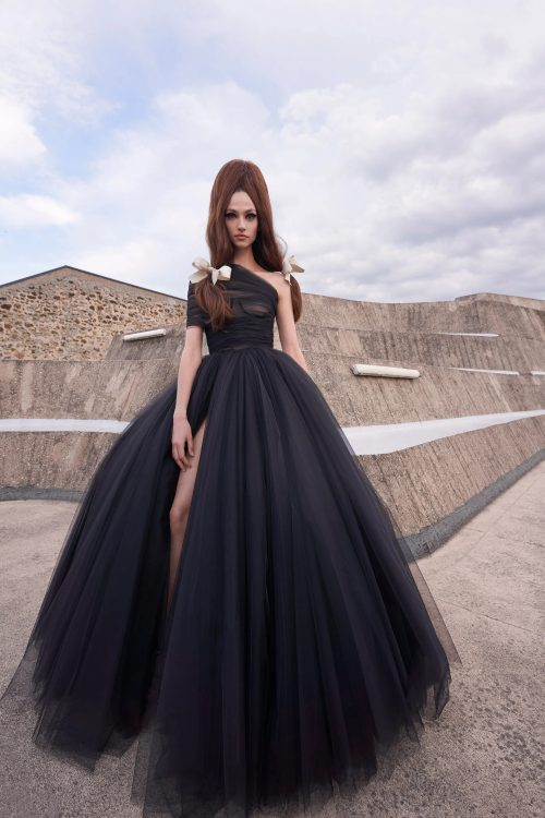 00003 giambattista valli couture fall 21 credit niemeyer courtesy of brand 1