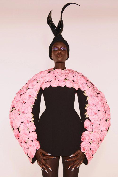 00006 schiaparelli couture fall 21 credit daniel roseberry brand