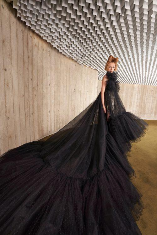 00011 giambattista valli couture fall 21 credit niemeyer courtesy of brand 1
