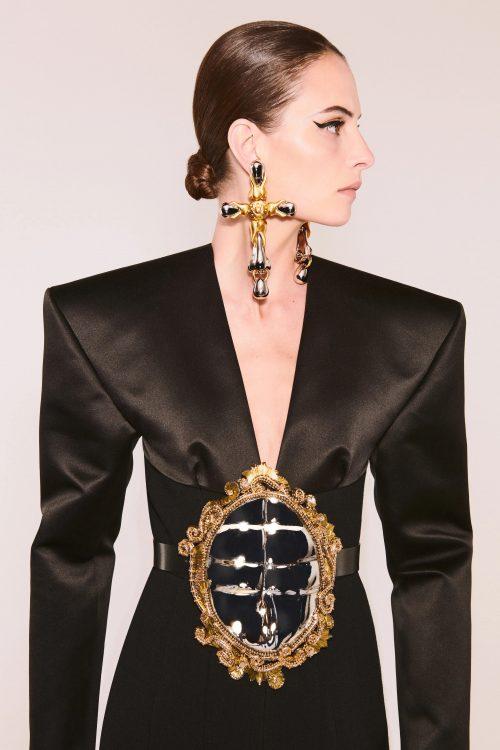 00017 schiaparelli couture fall 21 credit daniel roseberry brand