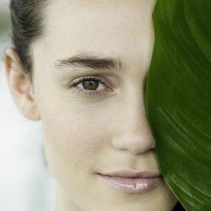 Витамин Е для кожи: преимущества, побочные эффекты и дозировка