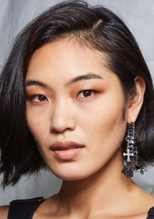 dundas x revolve spring 2022 beauty brown smoky eye neutral lipstick bronzer