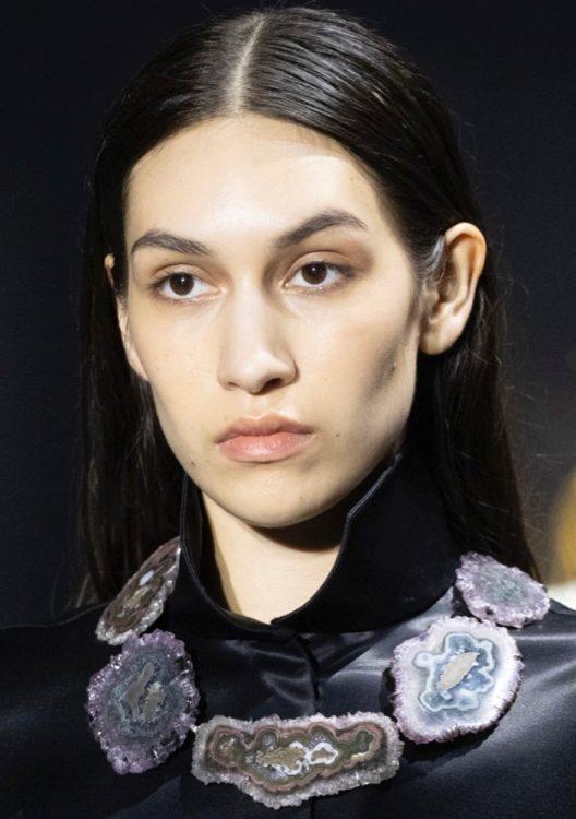 gabriela hearst spring 2022 beauty neutral makeup