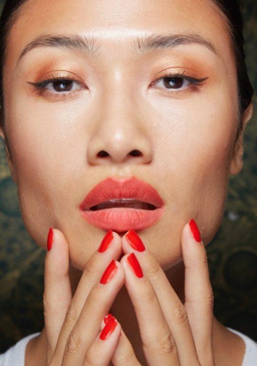 naeem khan spring 2022 beauty red nail polish